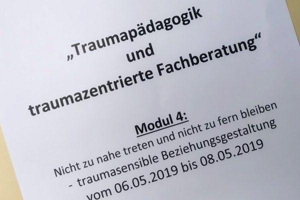 """Interne Weiterbildung """"Traumapädagogik und traumazentrierte Fachberatung"""" – Modul 4"""